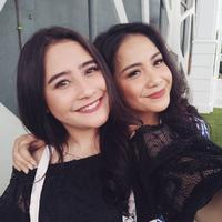 Prilly Latuconsina dan Nagita Slavina (Foto: Instagram/prillylatuconsina96)