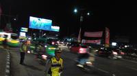 Kondisi lalu lintas di kawasan Cileunyi, Kabupaten Bandung, Jawa Barat, mulai ramai dilintasi pemudik pada arus balik Lebaran 2017, Sabtu (1/7/2017) (Liputan6.com/Arie Nugraha)