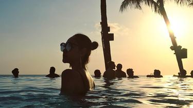 [Bintang] 8 Foto Seksi Artis Indonesia Saat Berendam di Kolam Renang