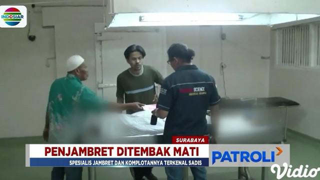 Pelaku terpaksa ditembak mati karena melawan dengan senjata tajam saat hendak ditangkap.
