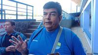 Dokter tim Persib Bandung Raffi Ghani membeberkan perkmbangan kondisi Nick Kuipers. (Liputan6.com/Huyogo Simbolon)