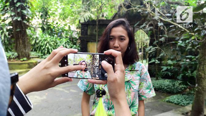 Huawei P30. (Liputan6.com/ Yuslianson)