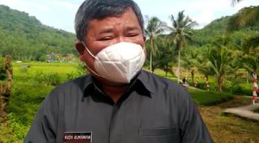 Bupati Garut Rudy Gunawan memberikan penjelasan soal perpanjangan sekolah daring di tengah masih tingginya wabah Covid-19 di Garut, Jawa Barat.