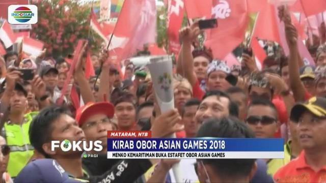 Mengira ada Lalu Muhammad Zohri, warga hadang iring-iringan api Asian Games saat tiba di Lombok.