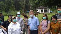 Menteri LHK Siti Nurbaya Mengunjungi Pusat Rehabilitasi Orangutan Nyaru Menteng, Palangkaraya, Kalteng. (Liputan6.com/Rajana K).