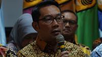 Gubernur Jawa Barat Ridwan Kamil menyambut baik rektor terpilih Unpad periode 2019-2024. (Liputan6.com/Huyogo Simbolon)