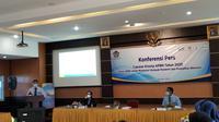 Kepala Kanwil Ditjen Perbendaharaan Provinsi Sumbar, Heru Pudyo Nugroho memberikan keterangan pers terkait capaian kinerja APBN. (Liputan6.com/ Novia Harlina)