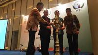 "Duta Besar India untuk Indonesia, Pradeep Kumar Rawat (kiri), saat membuka ""Hari Alumni India Indonesia"", Kerja Sama Teknis dan Ekonomi India atau ITEC di Westin Hotel, Jakarta Selatan, Sabtu (5/10/2019). (Liputan6.com/Afra Augesti)"