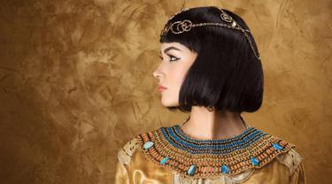 Terkenal karena kecantikannya, ternyata ratu Cleopatra memiliki beberapa cara alami untuk menjaga pesona cantiknya. Apa saja? (Sumber foto: pancarkanpesonamu)