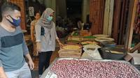 Pedagang di Pasar Terong di Kecamatan Bontoala, Kota Makassar.