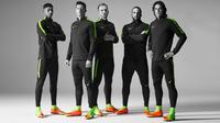 Para bintang sepak bola dunia mengenakan sepatu Nike Hypervenom III. (Nike).
