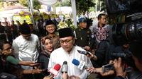 Ketua MPR Zulkifli Hasan melayat ke Puri Cikeas.