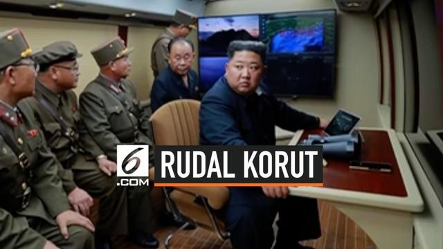 Pemimpin Korea Utara Kim Jong-un menyaksikan peluncuran sistem multi rudal terbaru. Ini kali kedua dalam seminggu terakhir, Korea Utara melakukan tes senjata.