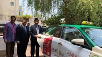 Duta Besar RI untuk Uni Emirat Arab Husin Bagis dalam sambutannya menyampaikan bahwa  pemasangan logo Asian Games di taxi merupakan upaya yang patut dihargai (Kemlu.go.id)