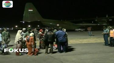 Ratusan perantau asal Pulau Jawa yang menjadi korban gempa di Palu terpaksa pulang ke daerah masing-masing, lantaran situasi yang tidak pasti di lokasi bencana.