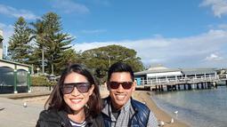 Pasangan suami istri ini terlihat sering pergi berlibur, beberapa negara sudah dikunjungi oleh dua sejoli ini. Salah satunya di Sydney, Australia. (Liputan6.com/IG/therealdisastr)