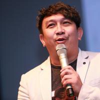 """""""Karena sekali lagi kalau Indonesia ini kan olahraga yang paling populer itu bola dan bulutangkis, walaupun basket kita sudah mulai maju,"""" terangnya. (Adrian Putra/Bintang.com)"""