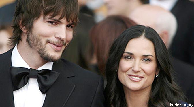 Ashton Kutcher dan Demi Moore (Pinterest)