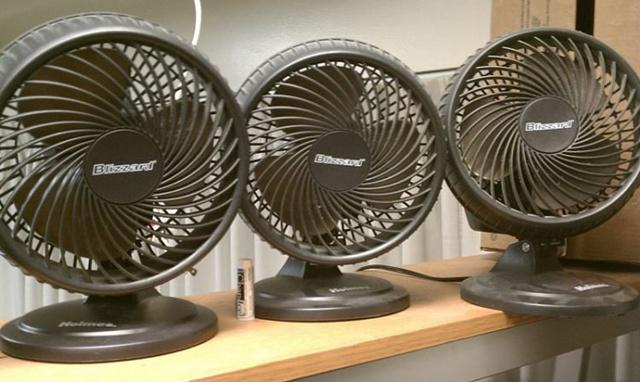 Udara dingin dari kipas angin menyebabkan hipotermia/copyright odditycentral.com