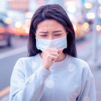 ilustrasi sakit memakai masker/copyright by Tom Wang (Shutterstock)