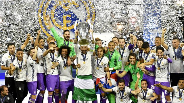 Para pemain Real Madrid merayakan gelar juara Liga Champions di Stadion  Principality 613333663a