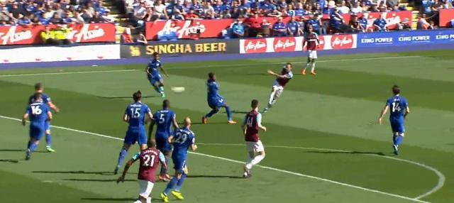 Berita video momen gol indah Mark Noble untuk West Ham United pada Premier League 2017-2018. This video presented by BallBall.