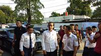 Presiden Joko Widodo atau Jokowi Saat Tiba di Stasiun Pasar Senen, Jakarta, Jumat (31/5/2019). (Foto: Ady Anugrahadi)