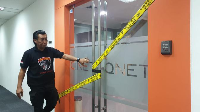 Polisi Segel Kantor Qnet Di Jakarta Terkait Kasus Investasi Bodong