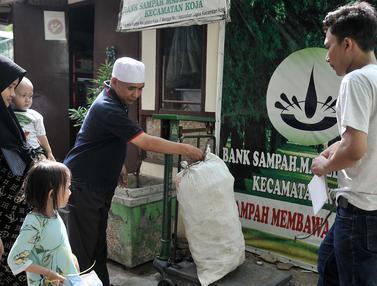 Asyik, Nabung Sampah di Koja Dapat Liburan ke Luar Negeri