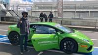 Ferry Nurdiansyah, pria asal Sumedang, mendapat kesempatan langsung mengunjungin pabrik Lamborghini di Bologna, Italia. (Dok Pertamina)