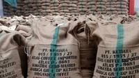 Tiga calon pembeli dari Jerman, Inggris, dan Perancis membatalkan kontrak dengan salah satu perusahaan pengepul kopi Gayo karena sampel yang dikirim mengandung glifosat (Liputan6.com/Rino Abonita)
