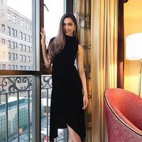 Deepika Padukone sempat dinobatkan sebagai Wanita Asia Terseksi 2016 veri Easter Eye. Ia tak percaya jika mendapat predikat itu, menurutnya seksi itu tak hanya dari penampilan saja tapi juga kecantikan di dalam diri. (Foto: instagram.com/deepikapadukone)