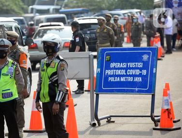 Suasana Operasi Yustisi Protokol Covid-19 Saat PSBB Jakarta