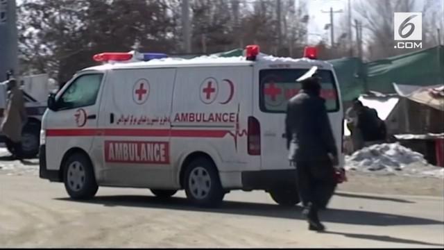 Insiden penyerangan terjadi di pangkalan militer dan pusat pelatihan polisi Afghanistan. Kelompok Taliban mengaku bertanggung jawab atas insiden ini.