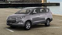 Toyota Kijang Innova terbaru.