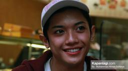 Millendaru yang dulu masih memilki wajah yang cukup ganteng dengan senyumnya yang simpel.  (Sumber: Kapanlagi/Muhammad Akrom Sukarya)