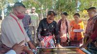 Foto: Yayasan Nekmese saat menyerahkan sumur bor ke Pemda Timor Tengah Selatan, NTT (Liputan6.com/Ola Keda)