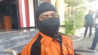 Samin, pembunuh satu keluarga di Banten mengaku menyesal dan meminta maaf. (Liputan6.com/Yandhi Deslatama)