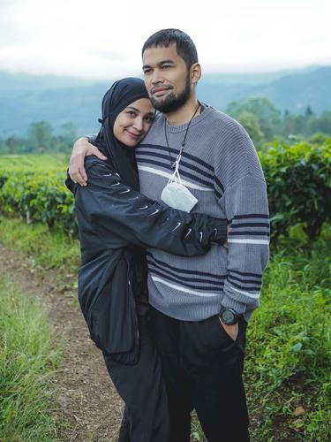 Shireen Sungkar dan Teuku Wisnu bintang sinetron Cinta Fitri. (Foto: Instagram @shireensungkar)