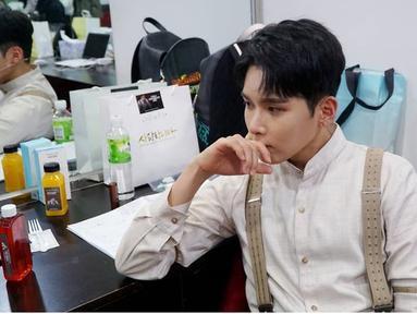 Kim Ryewook adalah salah satu vokalis utama di Super Junior, maka tak heran jika posisinya begitu penting di boygroup asuhan SM Entertainment ini. Debut bersama Super Junior sejak 2005, Ryeowook dan grupnya masih aktif hingga kini. (Sumber: IG/@superjunior)