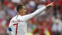 1. Dari empat gol Portugal pada Piala Dunia 2018 Rusia, semuanya dicetak oleh bintang mereka, Cristiano Ronaldo. (AP/Francisco Seco)