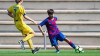 Pemain akademi La Masia Barcelona, Juan Larios. (Dok. Twitter/FC Barcelona La Masia)