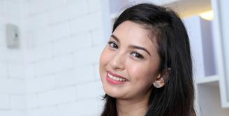 Terbilang sebentar usia pacaran mereka, Alisia Rininta sudah merasa cocok dan berjodoh dengan kekasihnya saat ini, Novian Herbowo. (Andy Masela/Bintang.com)