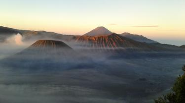 Matahari Pagi Borobudur