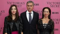Jose Mourinho hadir bersama istrinya, Matilde Faria, dan putrinya, Matilde hadir di gala Victoria Secret (dailymail)