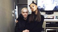 Dikabarkan Pete Davidson kini tengah berusaha semaksimal mungkin untuk membuat Ariana Grande bahagia. (instagram/arianagrande)