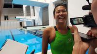 Perenang Jepang, Airi Ike, terkesan dengan keramahan masyarakat Indonesia yang turut mendukung penyelenggaraan Asian Para Games 2018. (Bola.com/Zulfirdaus Harahap)