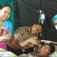 Inilah kisah seorang perempuan yang melahirkan seorang bayi beberapa saat pasca gempa Lombok 6,2 Skala Richter.