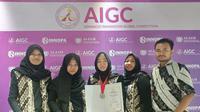 Delegasi Universitas Airlangga meraih medali perak dalam kompetisi Advanced Innovaiton Global Competition (AIGC). (Foto: Liputan6.com/Dian Kurniawan)