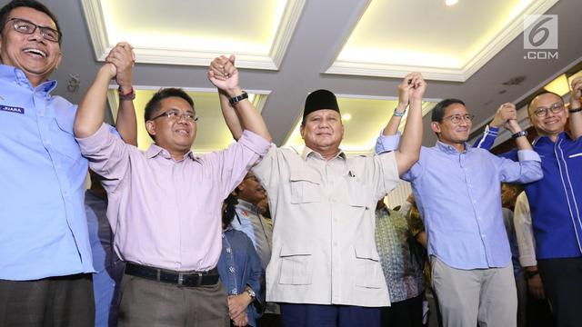 Senyum Prabowo-Sandi Terima Putusan MK